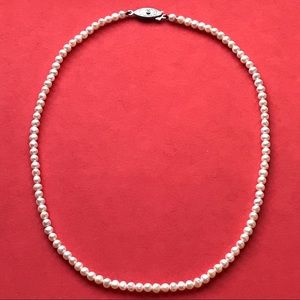 Jewelry - Vintage freshwater pearl necklace